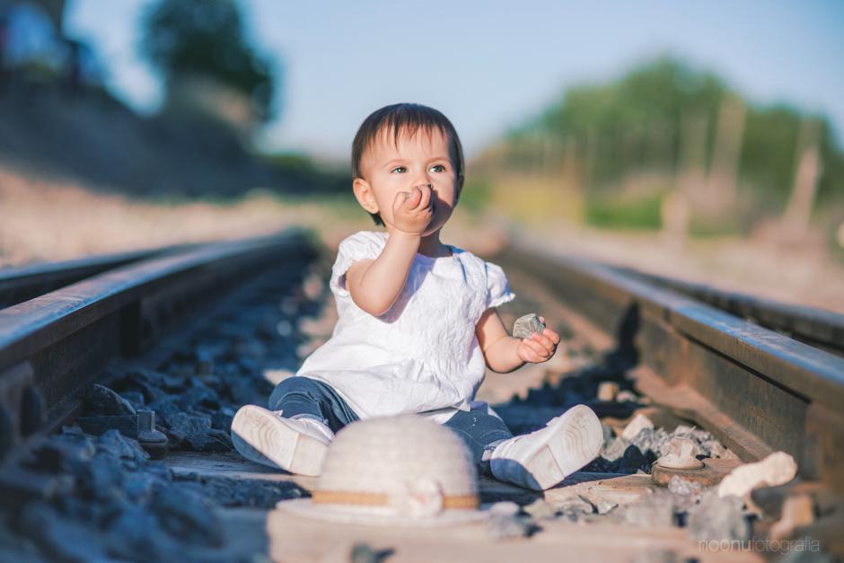 Noonu-fotografo-de-familia-chanel-tren 11